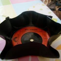 Retro Vinyl Mini Nibbles D..